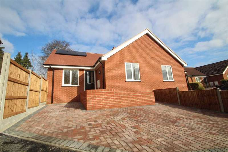 2 Bedrooms Bungalow for sale in Henniker Road, Ipswich
