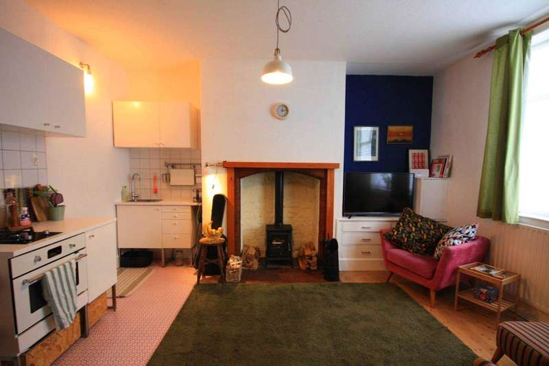1 Bedroom Flat for sale in Whittaker Lane, Prestwich