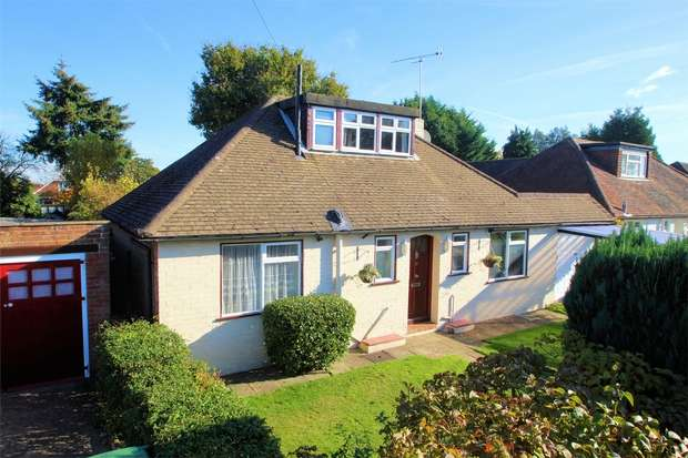 4 Bedrooms Chalet House for sale in Westfield, Woking, Surrey