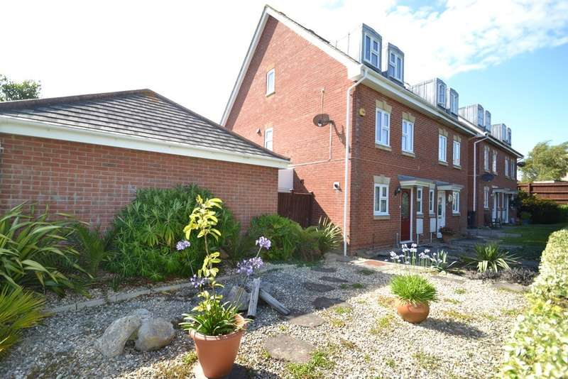 3 Bedrooms Semi Detached House for sale in Chickerell
