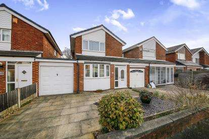 3 Bedrooms Detached House for sale in Longfield, Formby, Merseyside, England, L37