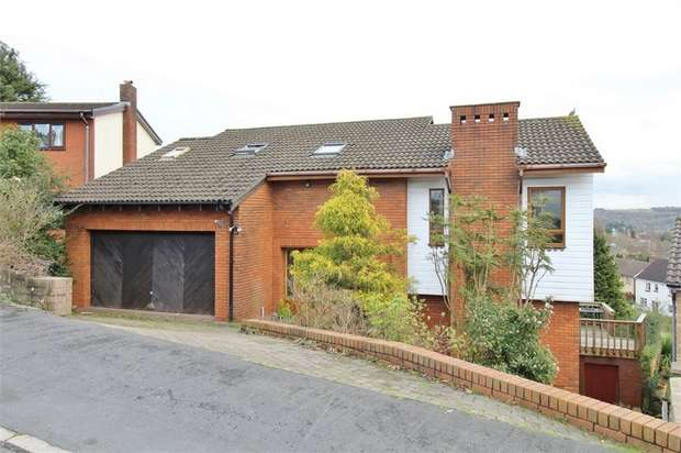 4 Bedrooms Detached House for sale in Trinity View, Caerleon, Newport