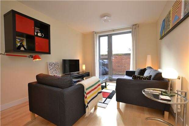 2 Bedrooms Flat for sale in Armidale Place, Montpelier, Bristol, BS6 5BQ