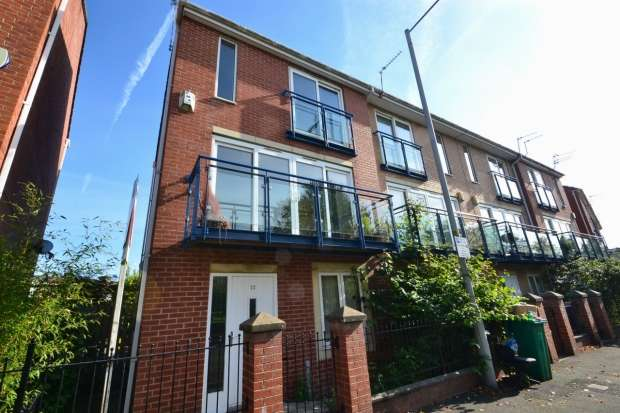 4 Bedrooms Terraced House for rent in The Sanctuary Hulme, M15 5tr Manchester