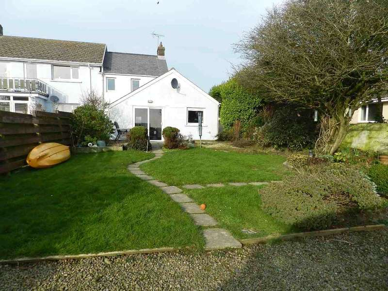 2 Bedrooms Semi Detached House for sale in Chapel House, Church Road, Roch, Haverfordwest