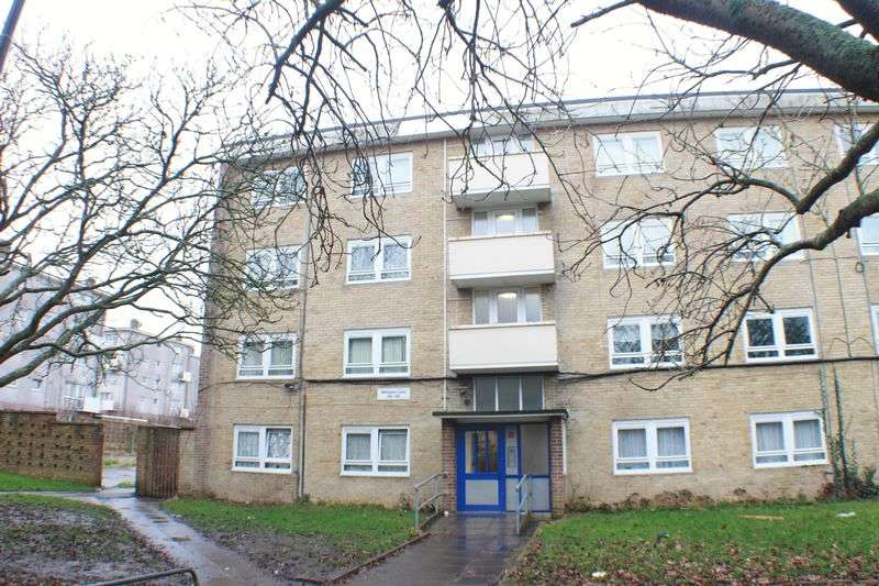 2 Bedrooms Flat for sale in Wimpson Lane, Maybush