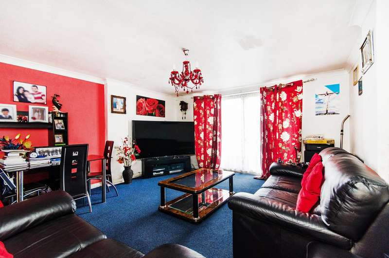 1 Bedroom Flat for sale in Sandringham Crescent, Harrow, HA2
