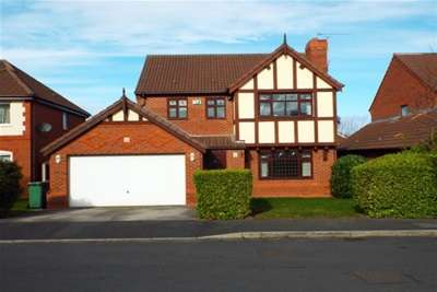 4 Bedrooms Detached House for rent in Lartonwood, Newton, West Kirby