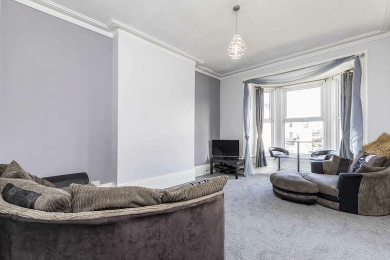 2 Bedrooms Apartment Flat for sale in St. Andrews Road, Southsea, Hampshire, PO5