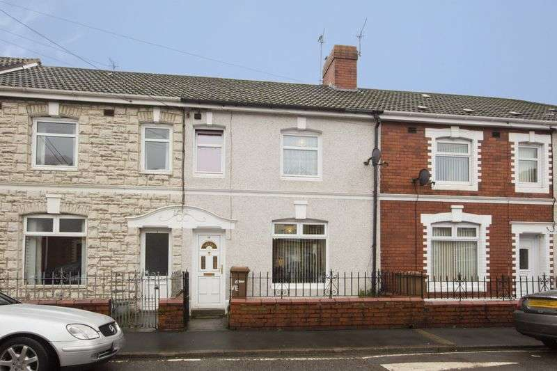 3 Bedrooms Terraced House for sale in Grove Road, Risca