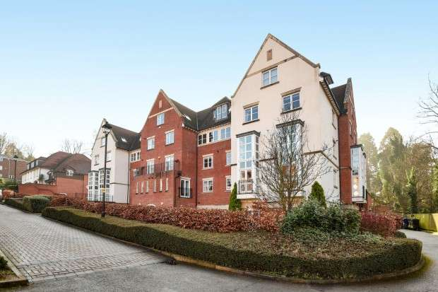 1 Bedroom Flat for sale in Keats House, Cottage Close, Harrow on the Hill, HA2