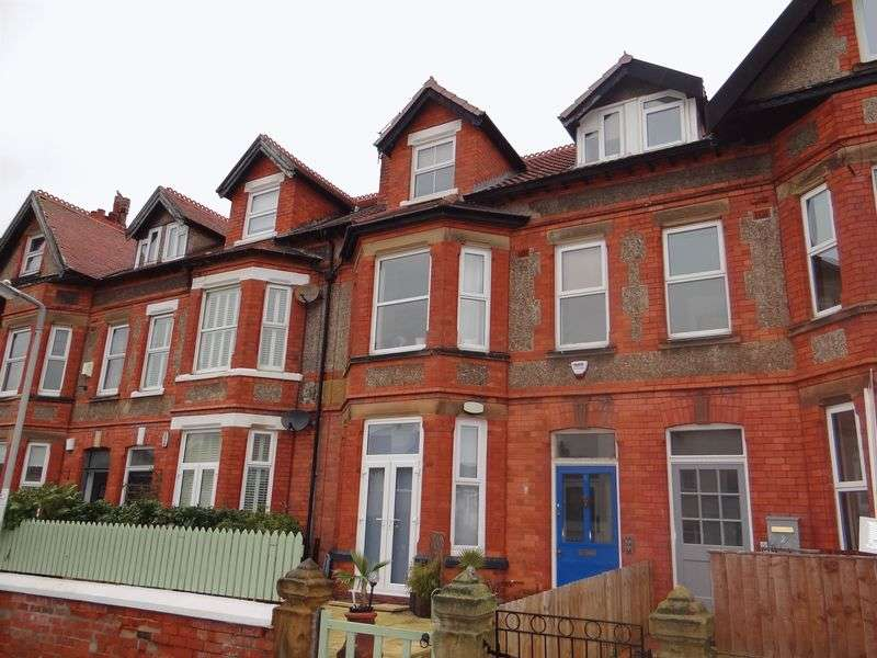 2 Bedrooms Flat for rent in Shrewsbury Road, West Kirby
