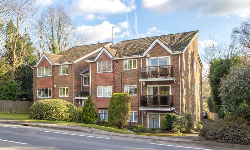 2 Bedrooms Apartment Flat for sale in Burwood House, West Hill, Oxted, Surrey, RH8