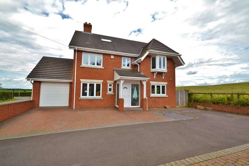 5 Bedrooms Detached House for sale in Horton Heath