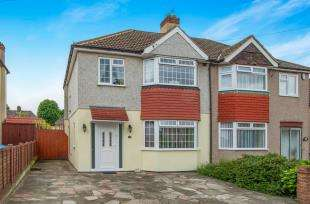 3 Bedrooms Semi Detached House for sale in Clarendon Gardens, Dartford, Kent