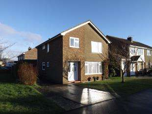 4 Bedrooms Detached House for sale in Bursledon Close, Felpham, Bognor Regis, England