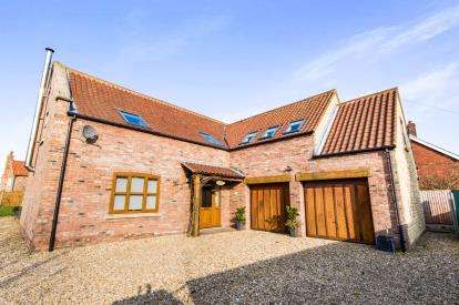 4 Bedrooms House for sale in Main Street, Bishop Norton, Market Rasen