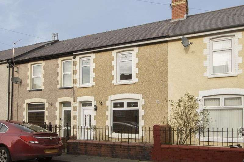 3 Bedrooms Terraced House for sale in Coronation Terrace, Pontypool