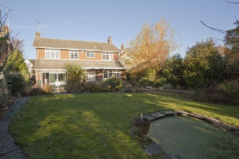 4 Bedrooms Detached House for sale in Myln Meadow, Stock Village