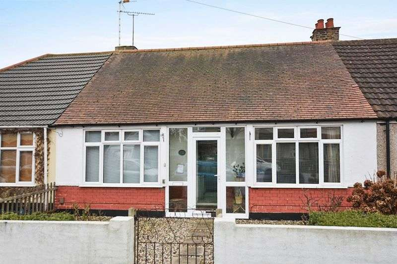 2 Bedrooms Bungalow for sale in Rylands Road, Southend-On-Sea
