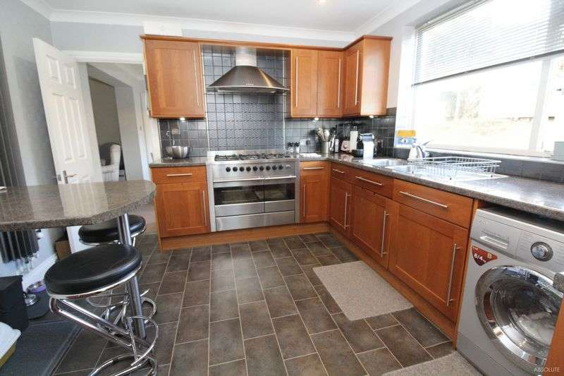 3 Bedrooms Detached Bungalow for sale in Broadsands Avenue, Paignton