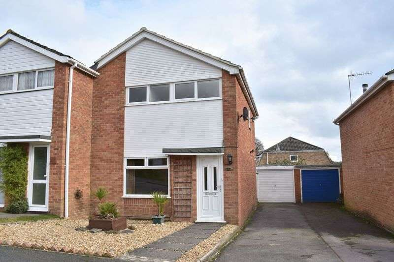 3 Bedrooms Semi Detached House for sale in Highlands Way, Southampton