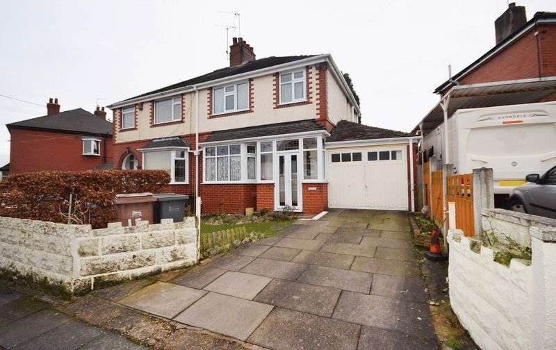 3 Bedrooms Semi Detached House for sale in Sefton Avenue, Sneyd Green