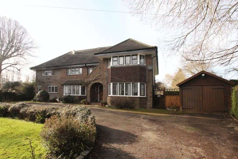 6 Bedrooms Detached House for sale in Bourne Close, Tonbridge