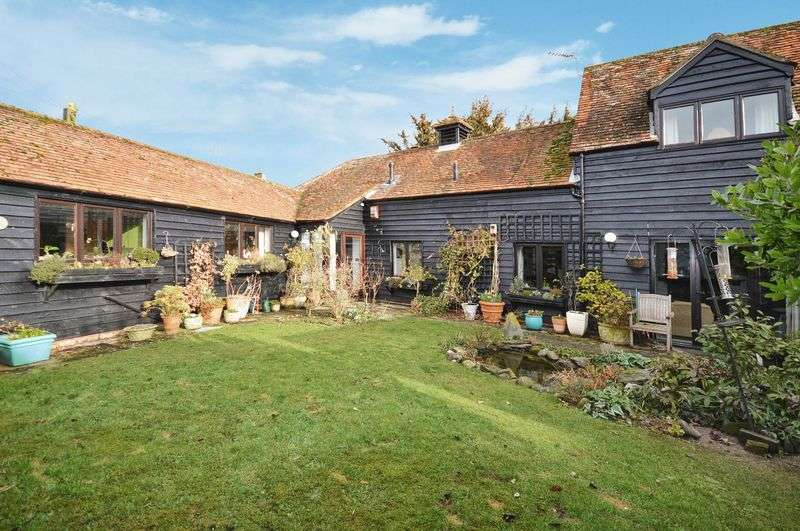 3 Bedrooms Semi Detached House for sale in Wilstone, Nr Tring
