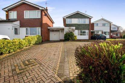 3 Bedrooms Link Detached House for sale in Medway Court, Thornbury, Bristol, South Gloucestershire