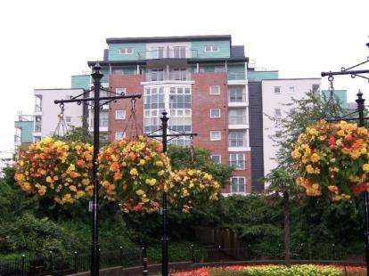2 Bedrooms Flat for sale in Trinity Court, London Road, Newcastle, Staffordshire