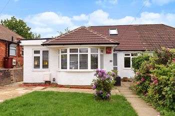 4 Bedrooms Semi Detached House for sale in Downs Avenue, Elmstead Woods, Chislehurst, Kent, BR7 6HQ