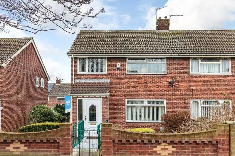 3 Bedrooms Semi Detached House for sale in Dodsworh Walk Clavering Estate Hartlepool