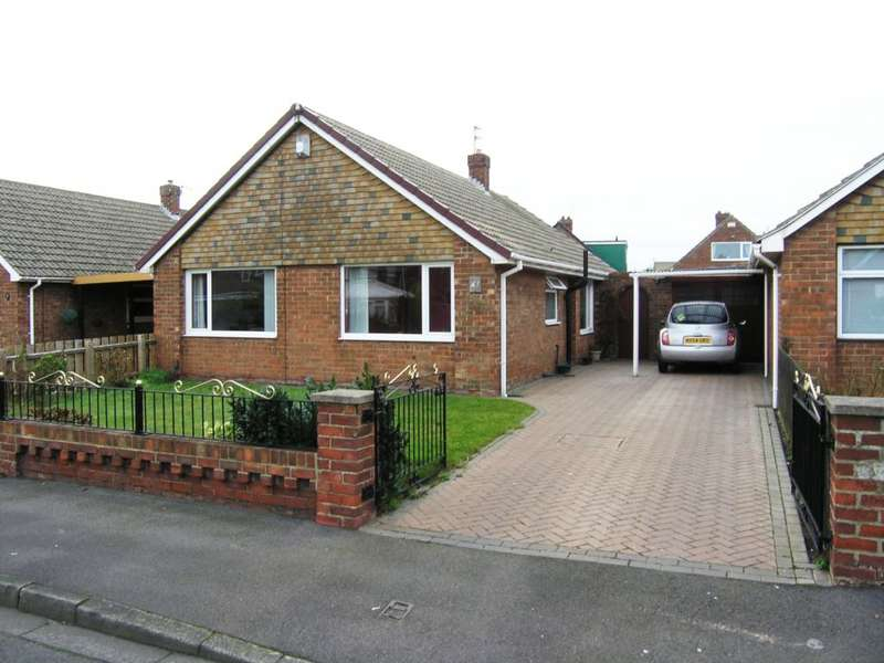 2 Bedrooms Bungalow for sale in Pennine Crescent, Redcar, TS10 4AE