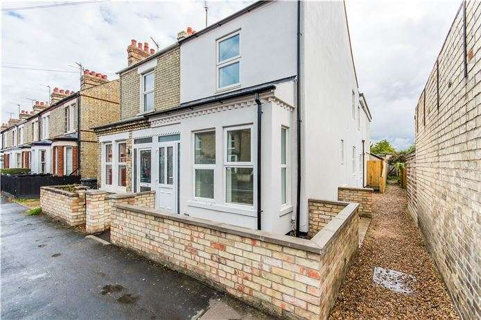 2 Bedrooms Flat for sale in Cowper Road, Cambridge