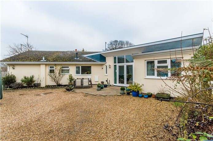 4 Bedrooms Detached Bungalow for sale in Station Road, Impington, Cambridge