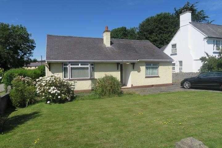 3 Bedrooms Detached House for sale in Glenside, Llangoed