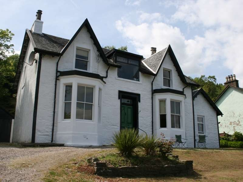 5 Bedrooms Detached House for sale in Laurel Grove Shore Road, Blairmore, Dunoon, PA23 8TJ