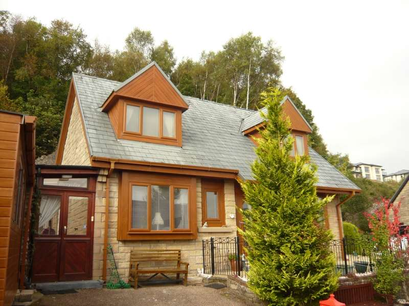 4 Bedrooms Detached House for sale in 10 Laudervale Bullwood Road, Dunoon, PA23 7QL