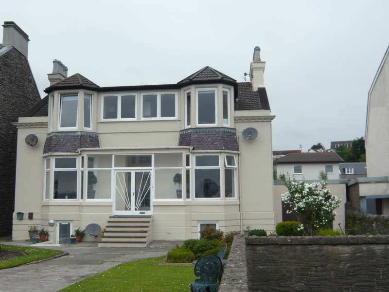 1 Bedroom Flat for sale in Flat 2 111b Alexandra Parade, Dunoon, PA23 8AN