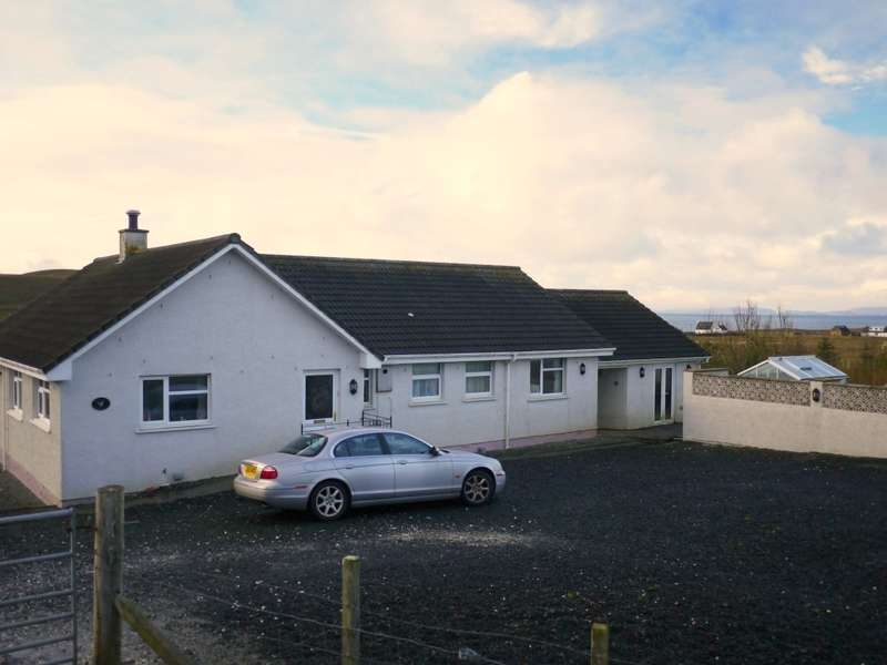 3 Bedrooms Bungalow for sale in Grengolly 42 Bornesketaig, Kilmuir, Isle of Skye, IV51 9YS