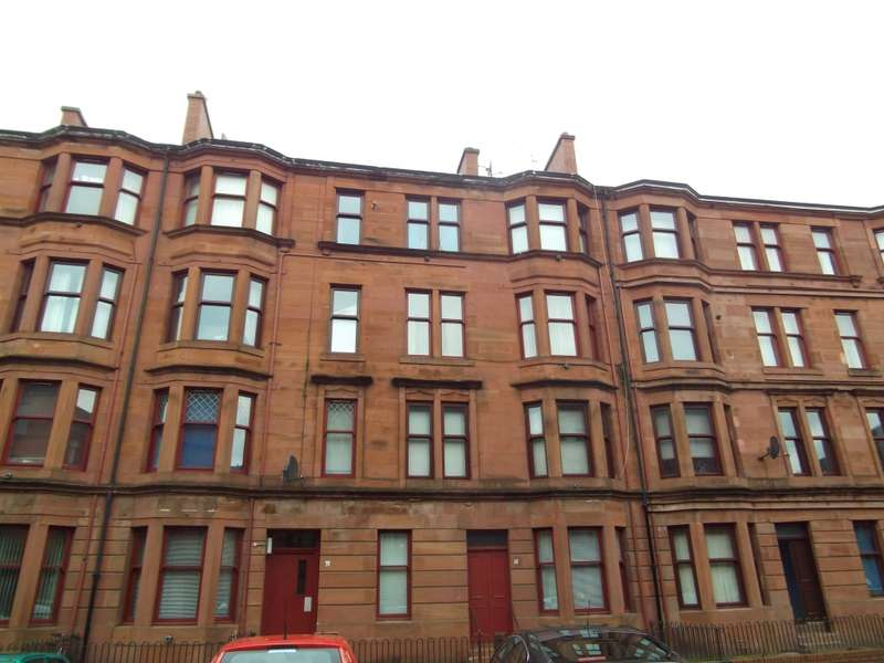 2 Bedrooms Flat for sale in 12 2/1 Earl Street, Scotstoun, Glasgow, G14 0AX