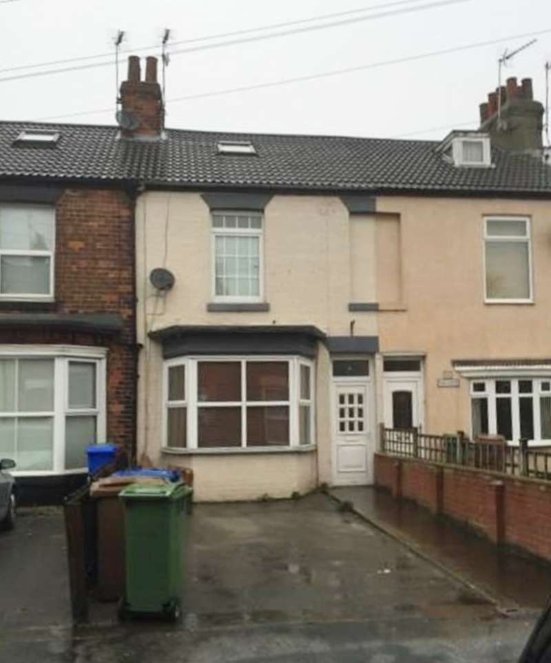 3 Bedrooms Terraced House for sale in Eastgate, Hessle, North Humberside, HU13 9LL