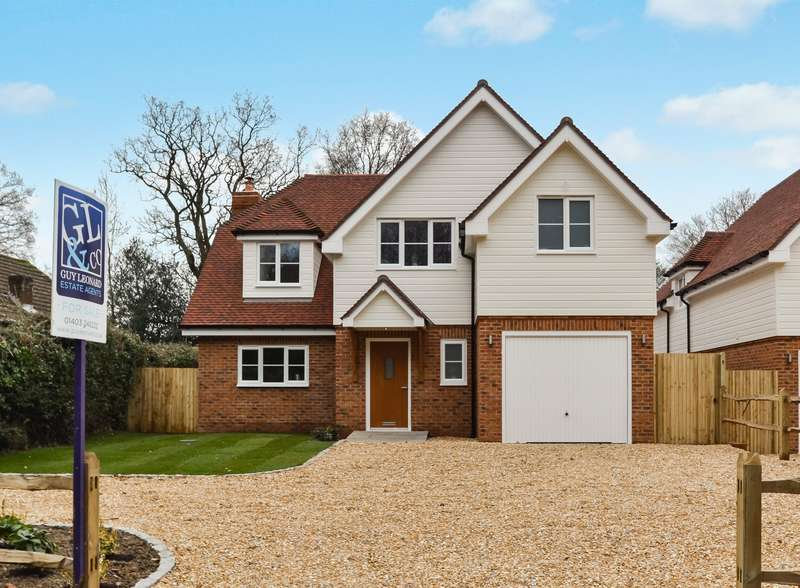 4 Bedrooms Detached House for sale in Sandy Lane, Crawley Down, West Sussex, RH10