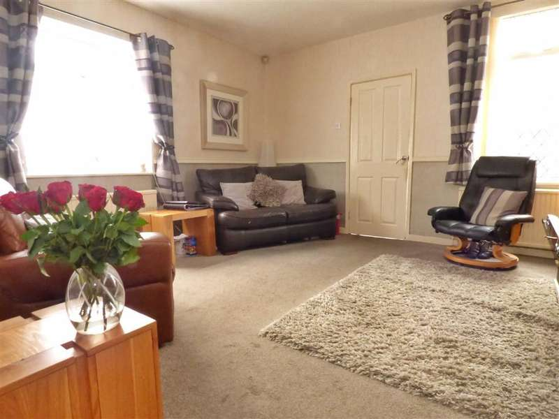 3 Bedrooms Property for sale in Stockfield Road, Chadderton, Oldham, OL9