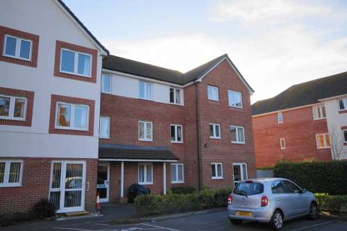 2 Bedrooms Flat for sale in Pinewood Court, West Moors