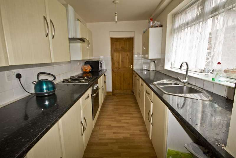 2 Bedrooms Terraced House for sale in Angle Street, Middlesbrough, TS4 2HZ