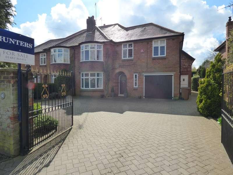 5 Bedrooms Semi Detached House for sale in Molescroft Road, Beverley, HU17 7EG