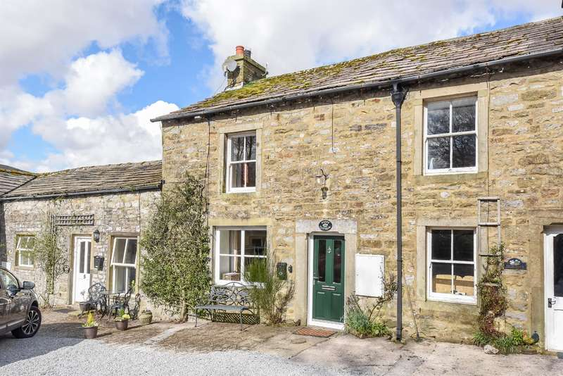 3 Bedrooms Cottage House for sale in Poppy Cottage, Buckden