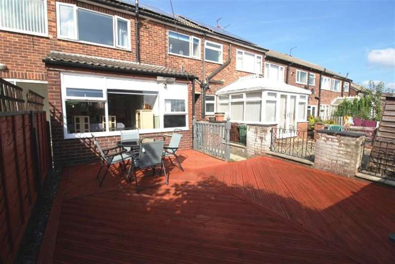 3 Bedrooms Terraced House for sale in Somerdale Grove, Bramley, LS13
